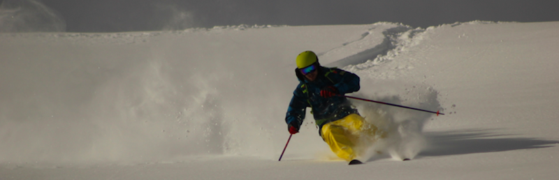 powder_riding_ski_instructor