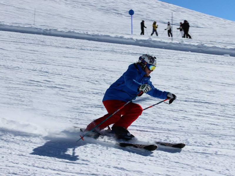 Ski Caption