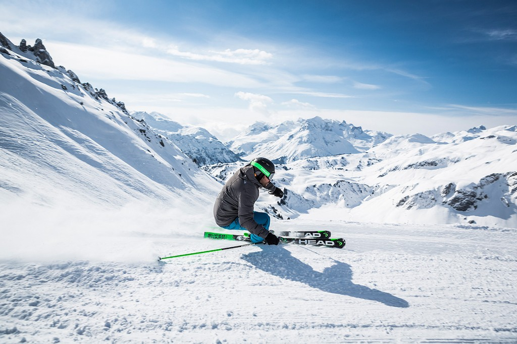 214180-head_skiaction_1673