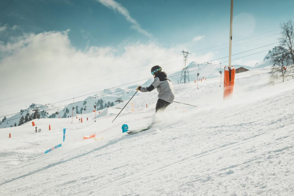 how to become a ski instructor