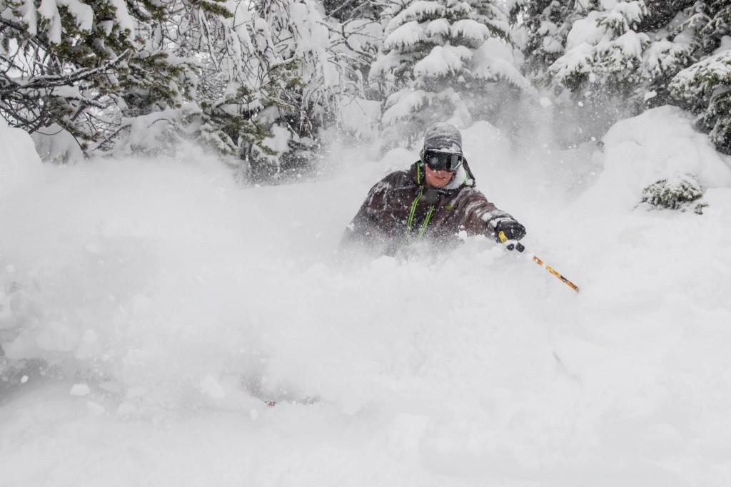 Off-piste skiing - Banff